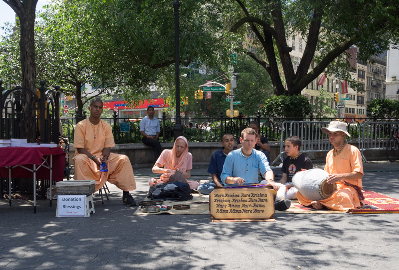 hare krishnas union square new york, Megan Crandlemire Photography